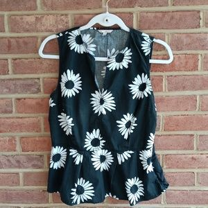 Gap Sleeveless black and white floral top